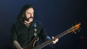 Lemmy Kilmister esiintymässä Gijònissa Espanjassa Elokuussa 2007.