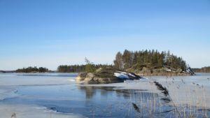jää sulaa järvestä