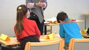 Turvapaikanhakijalapset opiskelevat Imatralla suomen kieltä