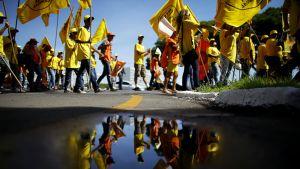 Talousuudistuksia vastustava mielenosoitus pääkauopunki Brasiliassa tammikuussa 2015.