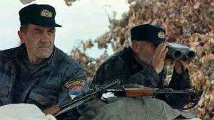 Serbien puolisotilaallisten poliisivoimien kaksi sotilasta.