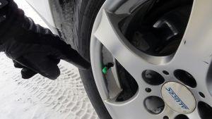 Typpitäytteisessä renkaassa on vihreä venttiilinhattu