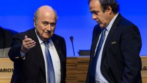 Sepp Blatter (vas.) ja Michel Platini
