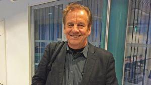 Vierailijaprofessori Rauli Virtanen Tampereen yliopistolla tammikuussa 2016.