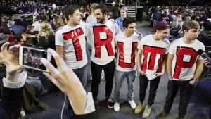 Donald Trump sai innostuneen vastaanoton Liberty-yliopiston opiskelijoilta Virginiassa.