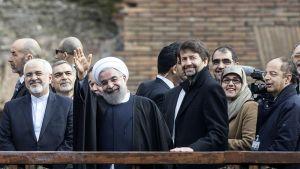 Iranin Presidentti Hassan Rouhani ja Italian Kulttuuriministeri Dario Franceschini Colosseumilla.