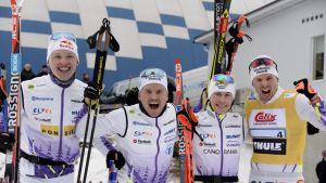 Vuokatti Ski Teamin kultajoukkue Iivo Niskanen (vas.), Mikko Koutaniemi, Teemu Härkönen ja Martti Jylhä.