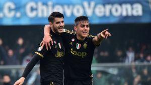 Juventuksen Alvaro Morata ja Pablo Dybala juhlivat.