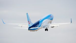 Saksalaisen lentoyhtiön TUIflyn lentokone.
