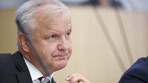 Elinkeinoministeri Olli Rehn eduskunnan täysistunnossa Helsingissä 3. marraskuuta.