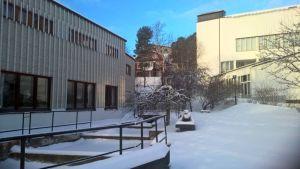 Uusi nivelosa tulee Alvar Aalto -museon (vas.) ja Keski-Suomen Museon väliin.