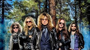 Whitesnake-yhtyeen promootiokuva.