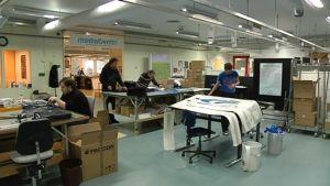Nuoret tekevät töitä Parik-säätiön mediacenterissä kouvolassa