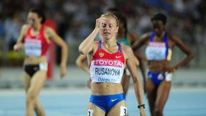 Julija Rusanova on syyttänyt Venäjän urheilujärjestelmää dopinghuijauksesta. Rusanova sai vuonna 2013 kilpailukiellon biologisen passista löytyneiden poikkeavuuksien takia.