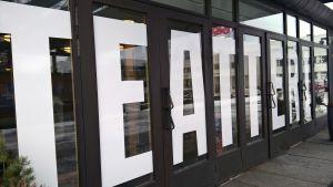 - Seinäjoen kaupunginteatterissa on 6–7 ensi-iltaa vuonna 2016.