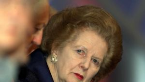 Margaret Thatcherin kasvokuva.