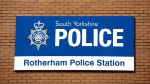 Rotherham poliisi.