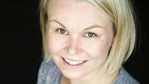 Hannele Hyvärinen pitää suosittua Kokit ja potit -ruokablogia.