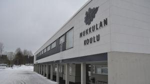 Mukkulan koulu.