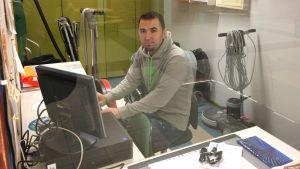 Hoshyar Khalil istuu vanhan vahtimestarin kopissa.