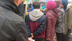 turvapaikanhakijat kaupassa