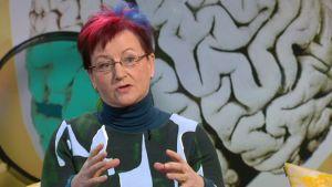 Neurologi Kiti Müller Ylen aamu-tv:ssä
