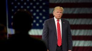 Donald Trump vaalitilaisuudessa Tampassa Floridassa.