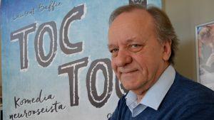 Esko Roine Turun kaupunginteatterin näytelmässä Toc Toc