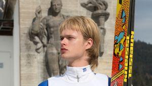 Matti Nykästä elokuvassa esittää Edvin Endre.