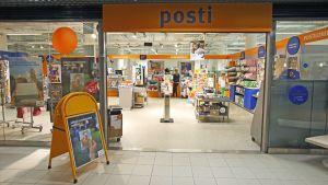 Joensuun keskustan postikonttori.