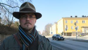 Marko Susimetsä Hämeenlinnan Viipurintien jalkakäytävällä