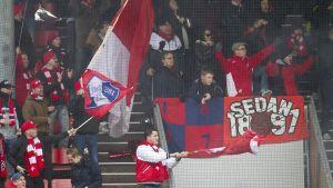 HIFK-faneja Vantaalla