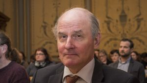Rikosoikeuden professori Matti Tolvanen.