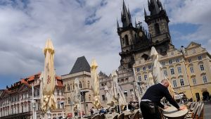 Prahan Vanhankaupungin terasseja.