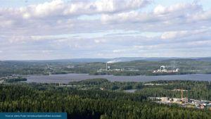 Puijon tornista otettu havainnekuva Finnpulpin tehtaasta