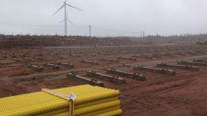 Aurinkovoimala tulee Haminaan tuulipuiston viereen