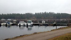 Imatran Lammassaaren venesatama huhtikuussa 2016.