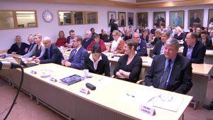 Asikkalan valtuusto kokoustaa talvella 2015.
