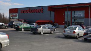 Motonet avasi myymälän Tornioon 2.5.2016.