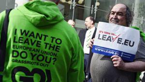 Grassroots Out -liike kampanja haluaa, että Britannia eroaa EU:sta.