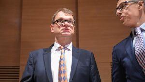 Juha Sipilä tiedotustilaisuudessa 12. toukokuuta.