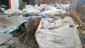 Pyhtää, Kantakievari, jäte, tekstiilijäte, romu