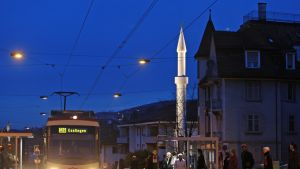 Mahmudin moskeija Zürichissä.
