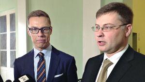 Alexander Stubb ja Valdis Dombrovskis.