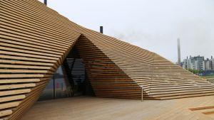 """Puinen """"hulmu"""" luo Löylyn arkkitehtonisen ilmeen."""