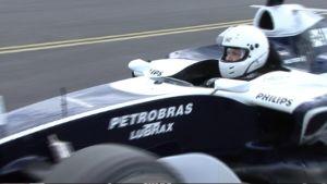 Niki Juusela F1-auton ratissa