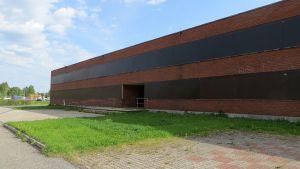 Vanha Sauvosaaren koulu ränsistyneenä.