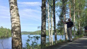 Veikko Neuvonen Alijärven rannalla Padasjoella.