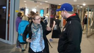 Jenni Hiirikoski ja Luleå Hockey/MSSK:n valmentaja Fredrik Glader