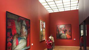 Kuvataiteilija Geli Korzhevin näyttely.